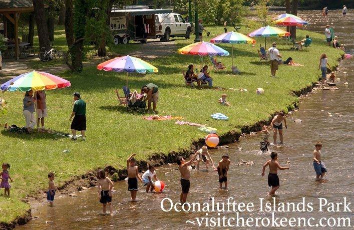 oconaluftee islands park cherokee